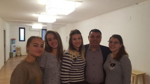 Cu Simona, Madalina, Georgiana